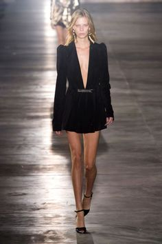 The standout looks from the top collections in Paris.