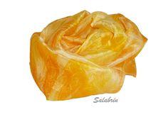 """Seidenschal gelb """"Sonne"""" in warmen Farben. Zarter und wicher Damenschal in 100% Seide in gelb orange  silk scarf in yellow orange sun von Susannes Kreativ-Lädchen auf DaWanda.com"""