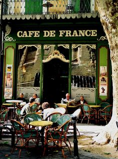 Cafe de France, L'Isle-sur-la-Sorgue, France