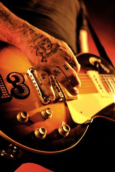 Mike Ness of Social Distortion - Vancouver, BC, Canada - Commodore Ballroom - Photo by Lauren Keogh Stoner Rock, Music Is Life, My Music, Music Books, Music Stuff, Hard Rock, Mike Ness, My Favorite Music, My Favorite Things
