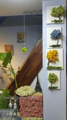Discover recipes, home ideas, style inspiration and other ideas to try. Moss Wall Art, Moss Art, Small Space Interior Design, Interior Design Living Room, Island Moos, Moss Garden, Flower Studio, Plant Art, How To Preserve Flowers