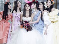 Former & current After School members doll up for Jung Ah's gorgeous wedding photos! Bff Girls, Kpop Girls, Korean Bride, Im Jin Ah, Korean Best Friends, Most Beautiful Faces, Bridesmaid Dresses, Wedding Dresses, Friend Wedding