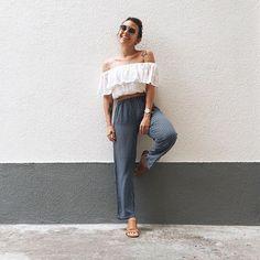 Mais uma peça herdada da mamis. No #lookdodia de hoje, tem calça de bolinhas mega velhinha, mega fresquinha, mega lindinha. ❤️ a sandália é da via mia e a blusa da @lojaprosa  #lookoftheday