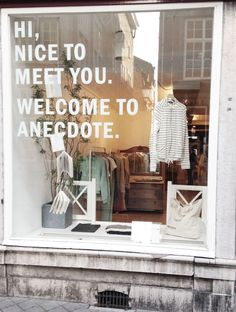 Find tips and tricks, amazing ideas for Store window displays. Discover and try out new things about Store window displays site Front Window Design, Shop Front Design, Store Front Windows, Retail Windows, Shop Interior Design, Store Design, Design Shop, Vitrine Design, Store Signage