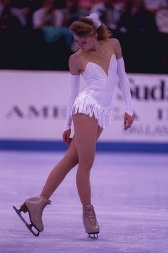 <b>Tonight, ESPN premieres for The Price Of Gold</i>, a look back at the Tonya Harding/Nancy Kerrigan scandal that rocked women& skating in the & Obviously they& been reading your diary, because you& been dreaming about these ladies for years. Figure Skating Hair, Figure Skating Quotes, Figure Skating Outfits, Figure Skating Costumes, Eislauf Outfits, Dance Outfits, Womens Figure Skates, Poses, Skating Pictures