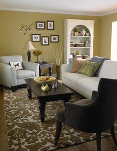 living room wall decor and furniture placement idea