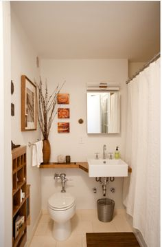 Banheiro pequeno madeira