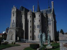 Palacio Episcopal de Astorga | Spain