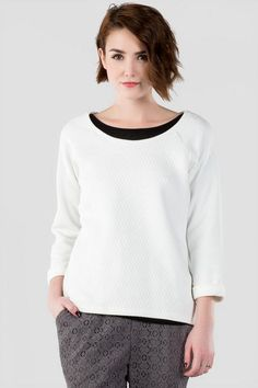 """The+Parson+Quilted+Tee+is+perfect+for+a+casual+fall+day.+This+raglan+style+tee+features+a+diamond+quilted+texture+with+terrycloth+sleeves.+Keep+your+look+clean+&simple+by+pairing+with+jeans+&+boots.<br+/>  <br+/>  -+25""""+length+from+shoulder+to+hem<br+/>  -+38""""+chest<br+/>  -+42""""+waist<br+/>  -+measured+from+a+size+small<br+/>  <br+/>  -+Hand+Wash<br+/>  -+Imported"""