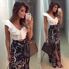 O poder de um look ✨✨ Body de babados + saia longa com fenda! #exclusiveprint…