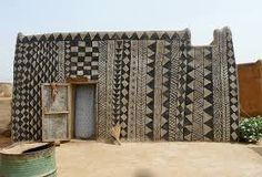 Geometric painted dwellings from the village of Tiébélé located in Burkina Faso, West Africa. I remember when Savannah represented Burkina Faso in her sixth grade World Experts Fair project! Vernacular Architecture, Architecture Design, Mud House, House Art, Earth Homes, Village Houses, Geometric Patterns, Geometric Designs, West Africa