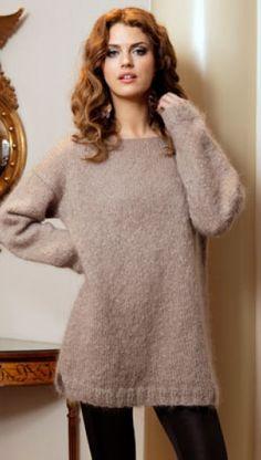 Strikkeopskrift på glatstrikket sweater i lun og luftig mohair  Få mange hækle- og strikkeopskrifter på Familie Journals hjemmeside Håndarbejde
