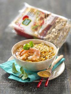 Cette recette de bouillon pimenté aux nouilles aux oeufs promet de mettre le feu à vos sens. Une recette pleine de saveurs pour fêter le nouvel an chinois.