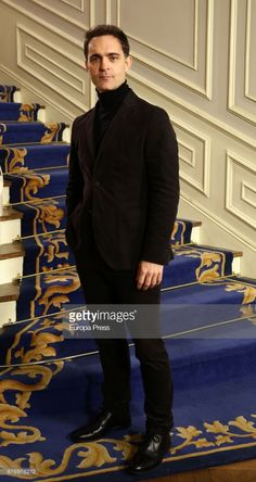 Pedro Alonso attends the 'Traicion' TV sries presentation at Valtierra studios on November 2017 in Madrid, Spain. Celebrity Faces, Celebrity Crush, Netflix Home, Madrid, Get Movies, Famous Movie Quotes, Movie Couples, Paper Houses, Series Movies