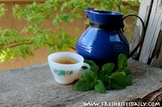 A natural tea for anxiety -- lemon balm is a great remedy