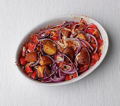 Baked Potatoes, Over-The-Top Style // Héjában sült krumpli sajttal, zöldségekkel 30 perc alatt / Éva Magazin