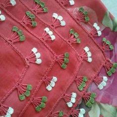 2017 New Anatolian Job Crochet Handarbeiten Modelle und Herstellung - Schmuck Beginner Crochet Projects, Crochet For Beginners, Crochet Art, Cute Crochet, Crochet Borders, Crochet Patterns, Hand Embroidery, Embroidery Designs, Crochet Needles