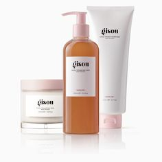 The Super Shower Trio contains all of the Gisou essentials for a weekly wash-, mask-, & conditioning treatment. Formulated to cleanse, detangle & strengthen hair. Nourishing Shampoo, Hair Cleanse, Wash And Go, Benzoic Acid, Perfume Samples, Honey Hair, Luxury Hair, Beauty Packaging, Atelier