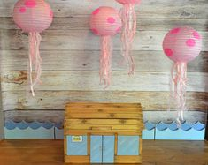 Spongebob Party Jellyfish Paper Lanterns / Spongebob Birthday / Set of 4 Lanterns / Spongebob Party Decorations / Jellyfish Lanterns