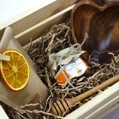 Эко подарок с медом и посудой из дерева