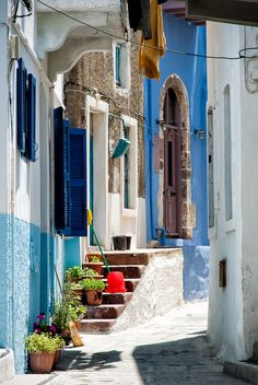 Romantic alley Mandraki (Greece) Nisyros Island I want to visit Greece so badly! Places Around The World, Oh The Places You'll Go, Travel Around The World, Around The Worlds, Beautiful Streets, Beautiful Places, Santorini, Greece Islands, Greece Travel