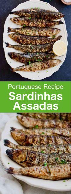 Les sardinhas assadas sont des sardines grillées au charbon de bois et représentent une des recettes les plus traditionnelles du Portugal. Ces sardines sont aussi très populaires pendant les festivals d'été. #Portugal #RecettePortugaise #Poisson #RecetteDePoisson #CuisineDuMonde #196flavors via @196flavors