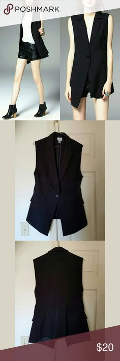 Chic longline vest top black one button Petite PM Super stylish and chic long vest. Single button at front. Great condition! Brand: Worthington petite. Tag says PM (medium?). This fits bigger too so it would fit larger sizes too. Worthington Jackets & Coats Vests