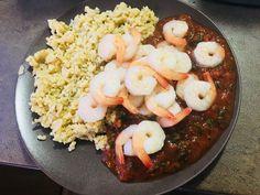 Krevety na rajcinovošpenátovej omáčke s chilli ryžou