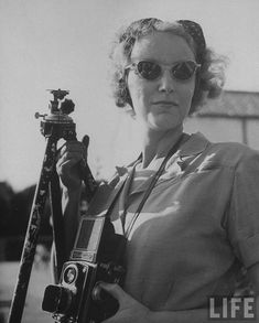 Nina Leen holding her Rolleiflex, 1945