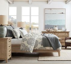 Coastal Bedrooms Design & Decor Ideas