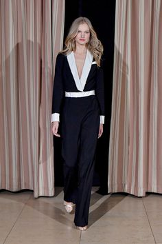 http://www.vogue.com/fashion-shows/fall-2017-ready-to-wear/rachel-zoe/slideshow/collection