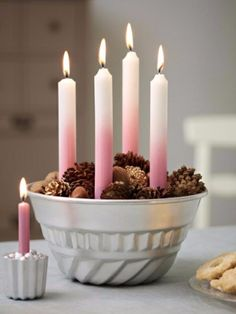 Surprise your friends and family this year and create a stylish Christmas decoration with the traditional warmth by making a craft of an advent wreath with candles. Christmas Mood, Noel Christmas, Pink Christmas, Christmas Ornament, Advent Wreath Candles, Advent Wreaths, Holiday Wreaths, Xmas Decorations, Christmas Inspiration