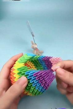 Diy Crafts Hacks, Diy Crafts For Gifts, Diy Home Crafts, Diy Arts And Crafts, Creative Crafts, Cool Paper Crafts, Paper Crafts Origami, Diy Paper, Paper Art