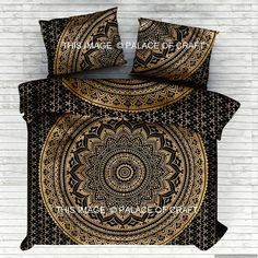 Beautiful Indian Screen Printed Cotton Ombre Mandala Duvet Cover or Quilt cover in Queen Sizewith Pillow covers. Item - 1 PC Ombre Mandala Duvet Cover with 2 PC Pillow Covers. Both side has Black Base on Gold Color Ombre Mandala Pattern have been crafted. Indian Bedding, Boho Bedding, Duvet Bedding, Cotton Bedding, Luxury Bedding, Bedding Sets, Cotton Fabric, Duvet Cover Sizes, Comforter Cover