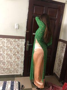 Beautiful Muslim Women, Most Beautiful Indian Actress, Pakistani Dresses Casual, Indian Bollywood Actress, Indian Beauty Saree, Sexy Dresses, Beauty Women, Crochet, Bhabhi Pics
