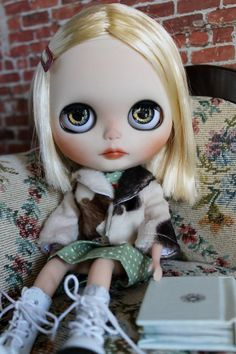 Margot Tenenbaum a custom factory blythe by WillowDesignstoyshop