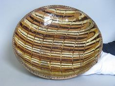 Georgian Bingham Staffordshire Slipware dish with pie-crust rim, 33 cm in diameter. This was very popular in the first half of the century. Glazed Pottery, Glazes For Pottery, Old Pottery, Oven Dishes, Sgraffito, Built Environment, Old English, Georgian, Ceramic Art