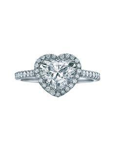ティファニー(Tiffany&Co.) 本店 ミル打ちのアクセントがクラシカルな雰囲気を醸し出します。