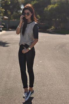 Baseball tee, black jeans, sneakers #Converse #Keds