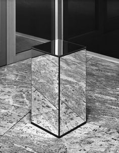 Saint Laurent store by Hedi Slimane black Display Design, Store Design, Set Design, Online To Offline, Diy Furniture, Furniture Design, Saint Laurent Store, Interior Architecture, Interior Design