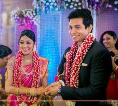 Indian Wedding Flowers, Flower Garland Wedding, Wedding Colors, Wedding Garlands, Flower Garlands, Reception Stage Decor, Wedding Reception Backdrop, Wedding Stage Decorations, Wedding Decor