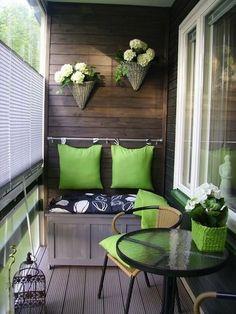 Balcony decoration, green.