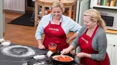 Bridget Lancaster uncovers the power of the cast iron, showing host Julia Collin Davison how to achieve restaurant-worthy homemade pizza, made in a cast iron skillet. Next, Adam Ried reviews his top choice for the best Cast Iron Skillet on the market. And finally, test cook Ashley Moore teaches Bridget how to make a show-stopping Chocolate Chip Skillet Cookie.