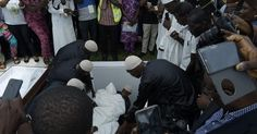 Nollywood actress Moji Olaiya has been buried. The mother of two who died on May 18 2017 at the age of 42 was buried at Ebony Vaults Ikoyi Cemetery today. The very gloomy and sad atmosphere saw her close friends colleagues and family members burst into uncontrollable tears as her body was lowered into the grave. More photos after the cut.  Photo credit Linda Ikeji  http://ift.tt/2rCa2wj news Nollywood Gossips