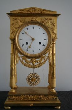 French fire-gilt bronze pendulum clock – 1790-1810