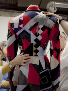 Unpacking The Ancient Upcycling Inspiration Behind Two Exquisite Alexander McQueen Looks Alexander Macqueen, Welsh Blanket, Master Tailor, Sarah Burton, Patchwork Designs, Rose Dress, Fashion 2020, Men's Fashion, Vogue