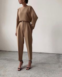 minimal everyday look, classic and simple. Oversized camel sweater, s . - wedding - 30 Minimal everyday look classic and simple. Oversized camel sweater s - Classy Outfits, Chic Outfits, Fashion Outfits, Fashion Clothes, Woman Outfits, Fashionable Outfits, Work Fashion, Fashion Looks, Fashion Black
