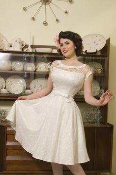 Bettie Page Clothing - Bettie Page Clothing - 50s Alika circle dress off white TATYANA