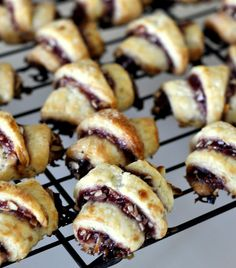 Bakery Recipes, Wine Recipes, Cookie Recipes, Yummy Treats, Sweet Treats, Good Food, Yummy Food, Sliced Almonds, Cookies