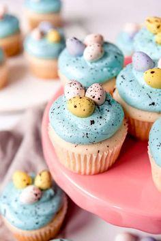 Easter Cake Easy, Easter Egg Cake, Easy Easter Desserts, Spring Desserts, Easter Cupcakes, Easter Cookies, Easter Treats, Easter Recipes, Mini Cupcakes